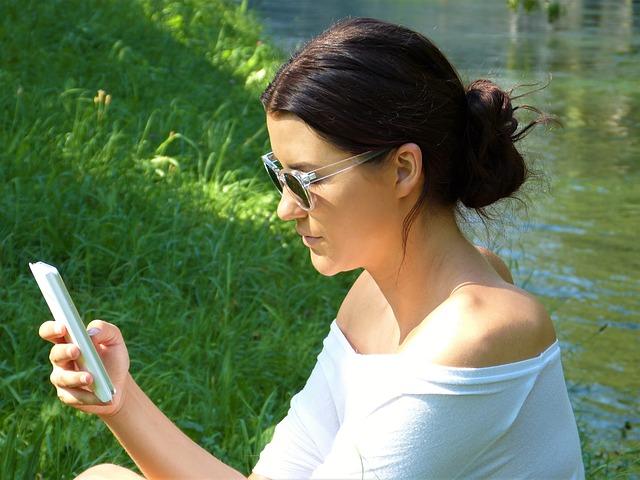Ce testeaza Tel Aviv pentru ca cei cufundati in smartphone-uri sa nu fie calcati pe trecerea de pietoni