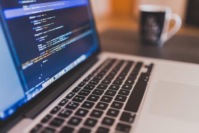De ce CEO-ul Rakuten vrea ca toti cei 17.000 de angajati sa invete programare