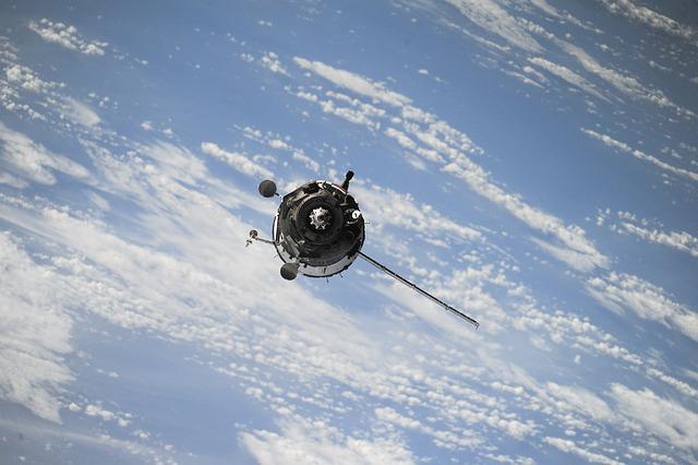 De ce Amazon va lansa peste 3000 de sateliti in spatiu