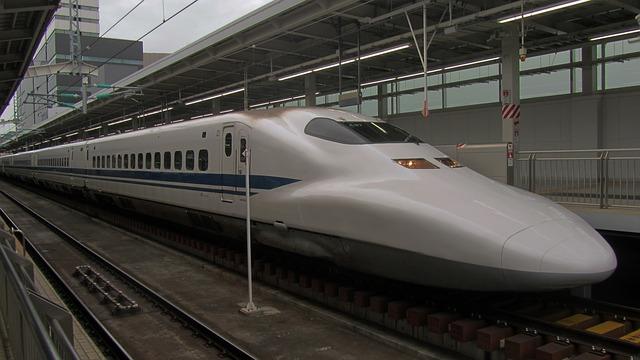 Cum e cel mai rapid tren glont din lume din Japonia