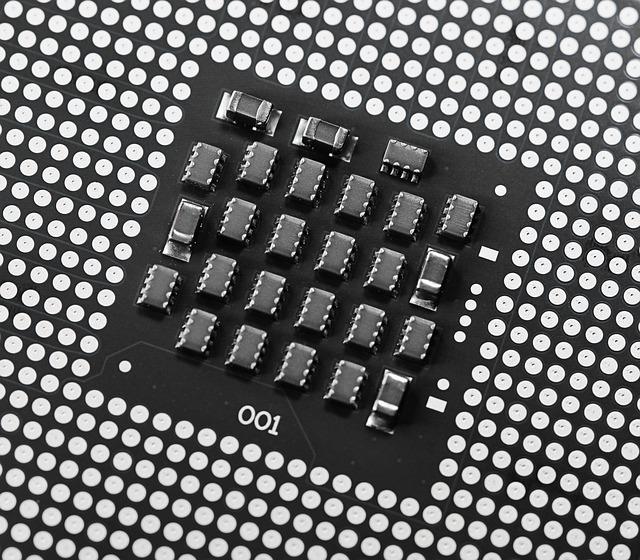 Cum e laptopul uimitor cu doua ecrane al Intel