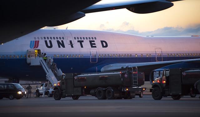 De ce o companie aeriana va acoperi camerele incorporate in scaunele avioanelor