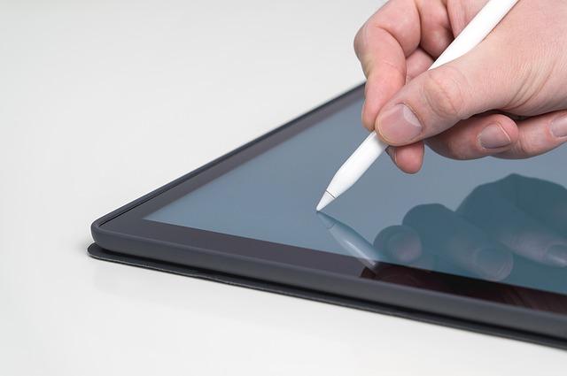 Aceasta companie ar putea lansa o tableta pliabila cu 5G