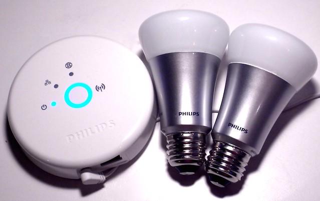 Ce avantaje au noile becuri inteligente Philips Hue cu Bluetooth
