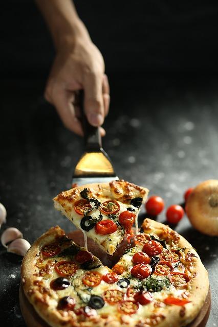 Cum e robotul autonom care livreaza pizza pentru Domino's