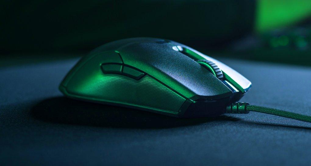Ce pret are mouse-ul de gaming inovator Razer Viper cu butoane optice