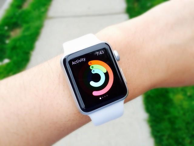 Cum a scapat Apple Watch cu viata o femeie care sufera de epilepsie