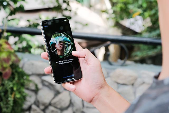 Cum au reusit cercetatorii sa insele Face ID pe iPhone