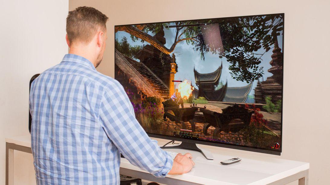 Cum e monitorul de gaming OLED Alienware de 55 inci si ce pret are