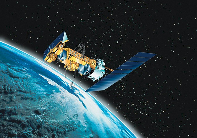 De ce Franta vrea sateliti care vin cu arme si lasere