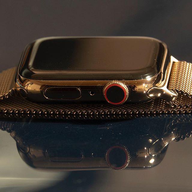 Pentru ce e recunoscatoare o femeie smartwatch-ului Apple Watch