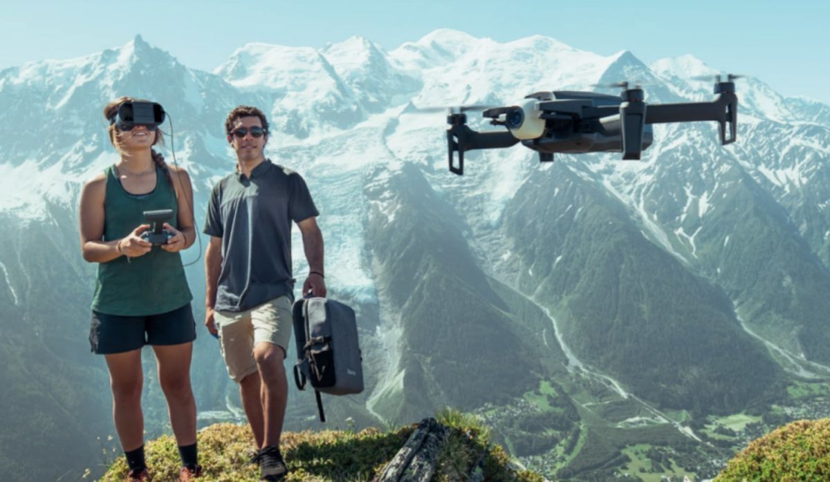 Cum iti permite noua drona Parrot sa o pilotezi mult mai bine