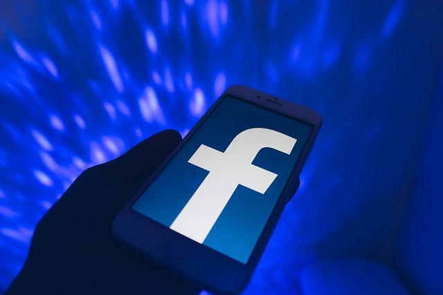 De ce Facebook a suspendat zeci de mii de aplicatii