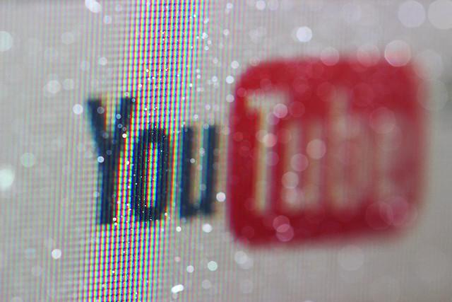 De ce YouTube a eliminat clipuri video cu lupte intre roboti