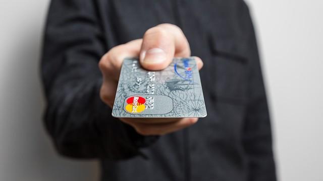 Modul surprinzator in care un japonez a furat datele a 1300 de carduri de credit