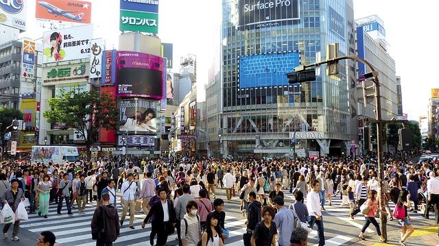 Cum e autobuzul autonom Navya care s-a deplasat pe strazile din Japonia