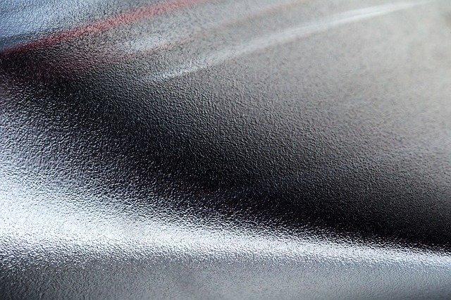 Aceasta companie ar putea produce smartphone-uri cu un nou tip de aluminiu, unul fara carbon