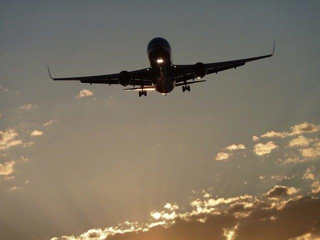 Asta a cazut dintr-un avion Boeing in zbor