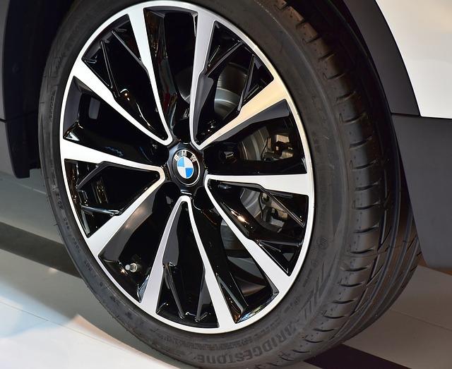 Cate masini electrice a vandut BMW pana acum