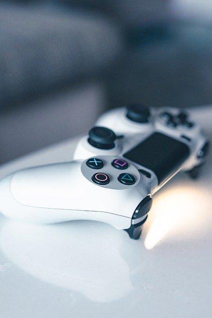 Ce pret are atasamentul care adauga butoane noi la DualShock 4 pentru consola PS4 a Sony