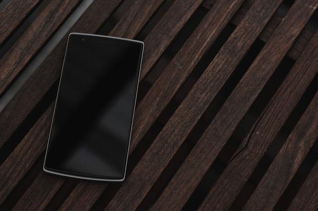 Cum e viitorul smartphone OnePlus Concept One