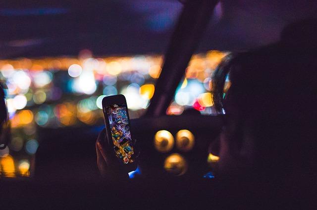 Prima tara cu un sistem de camere AI pentru detectarea soferilor care folosesc telefoane la volan
