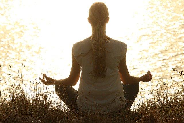 Senzorul cu AI care iti imbunatateste miscarile yoga