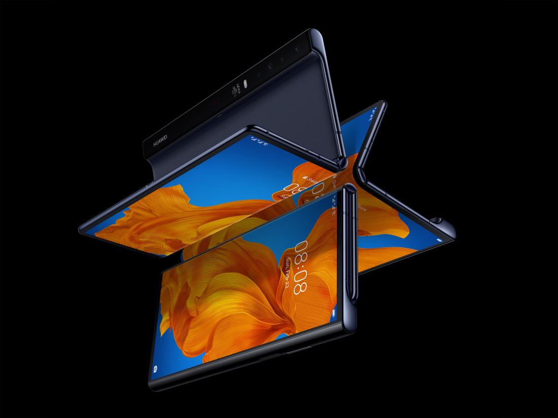 Ce pret are noul smartphone pliabil al Huawei