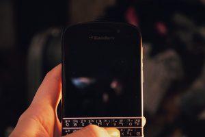 De ce TCL nu va mai vinde si produce smartphone-uri BlackBerry