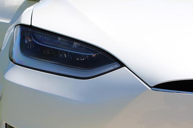 Masinile Tesla vechi au acest defect grav