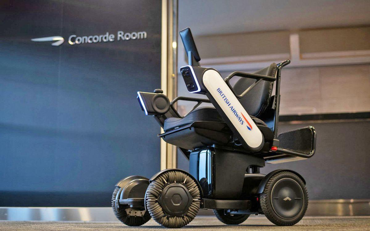 Compania aeriana care testeaza un scaun cu rotile electric si autonom
