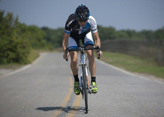 Cum reuseste un biciclist sa raporteze sofatul nechibzuit autoritatilor