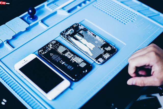 De ce componentele pentru repararea iPhone-urilor se epuizeaza