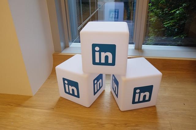 Cum iti permite acest instrument AI al LinkedIn sa-l impresionezi pe angajator