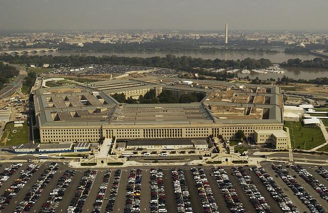 De-asta Pentagonul a dezvaluit clipuri cu OZN-uri