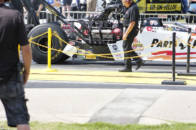 Ce record a stabilit un dragster electric