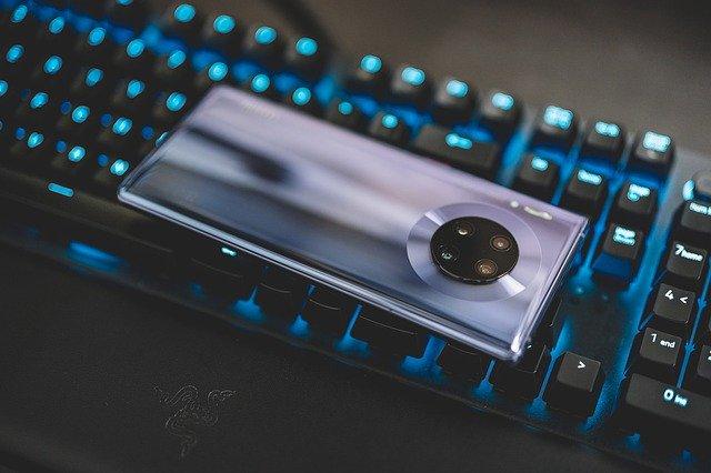 De ce Huawei ii va fi si mai dificil sa se aprovioneze cu cipuri pentru smartphone-uri