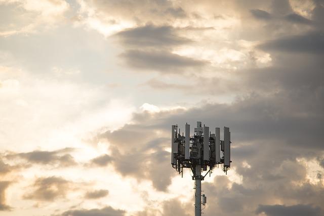 De ce turnuri celulare fara 5G au fost incendiate in Canada