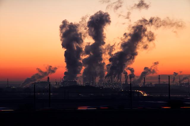 In ciuda acestui lucru, emisiile de dioxid de carbon continua sa stabileasca recorduri