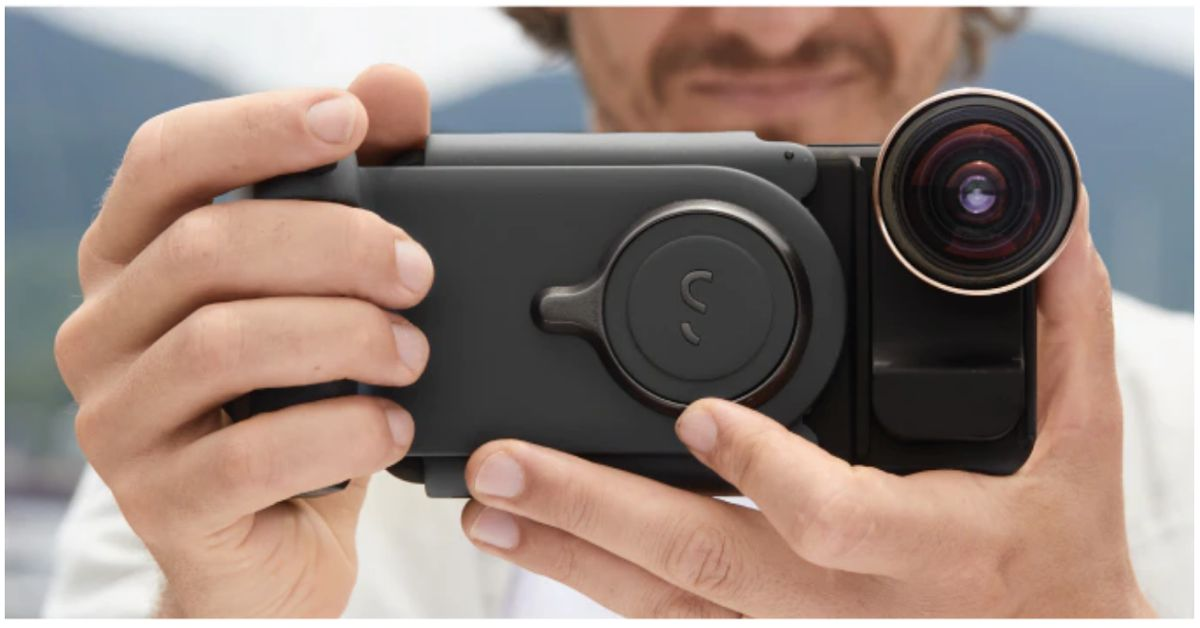 Ce accesoriu iti permite sa capturezi fotografii pe smartphone ca pe o camera DSLR