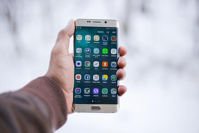 Cele mai bune smartphone-uri la preturi rezonabile