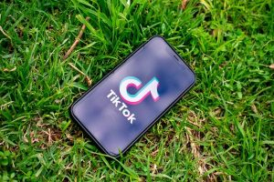 De ce aplicatia TikTok va iesi din Hong Kong