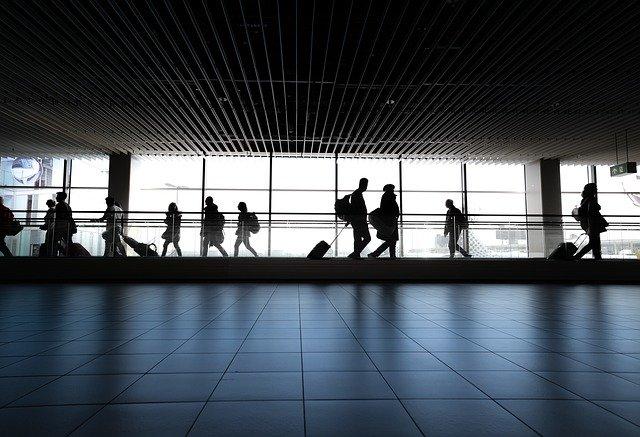 Cum se incearca reducerea riscurilor dronelor asupra aeroporturilor din SUA