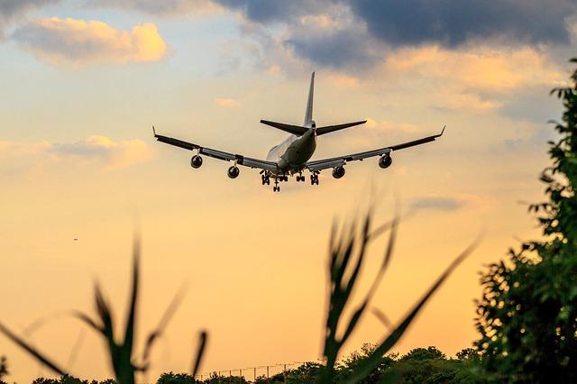 La ce anume mai folosesc avioanele Boeing 747 dischete