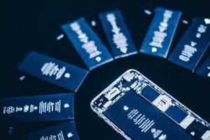 Cum pot aparea iPhone-uri cu autonomie de saptamani