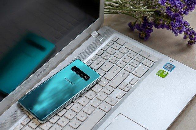 De ce Samsung nu a anuntat inca un smartphone cu camera sub ecran, conform unei surse