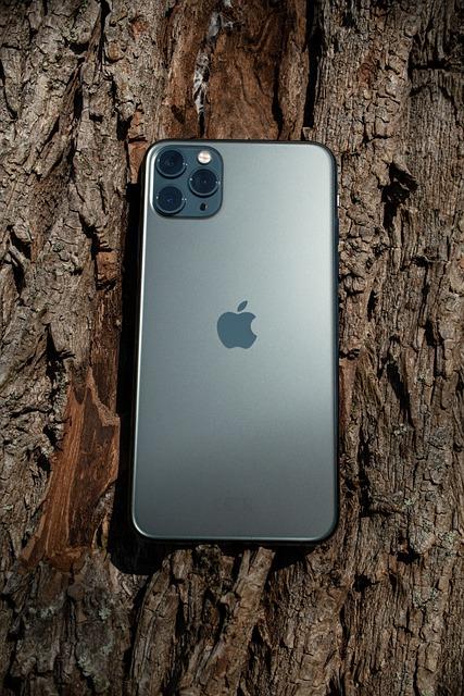 S-ar putea ca smartphone-ul iPhone 12 sa nu aiba acest ecran