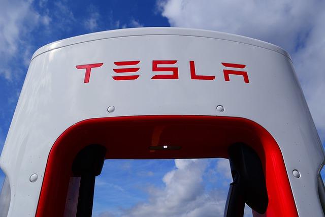 Unde statiile Supercharger incarca gratuit chiar si masinile electrice non-Tesla