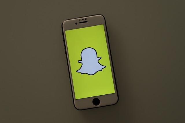 Cum e de folos aplicatia Snapchat votantilor alegerilor prezidentiale din Statele Unite