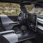 Pretul uimitorului Hummer electric cu doua ecrane si cu Android